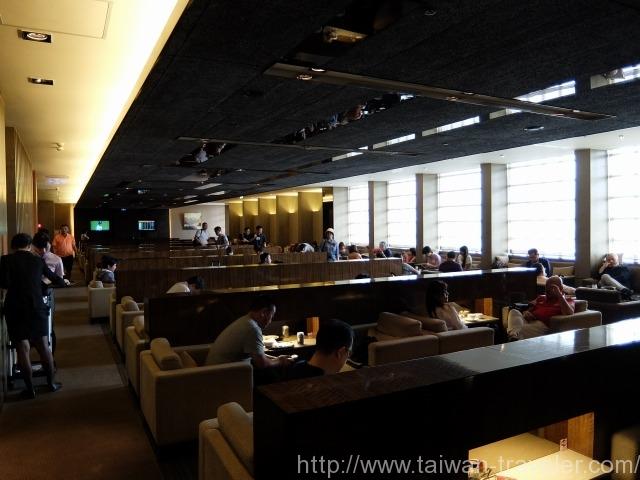 台北松山空港ラウンジ6
