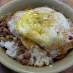 天天利美食坊(西門) 半熟卵の魯肉飯が人気